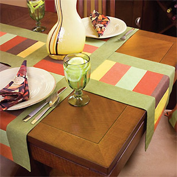 6 last minute table runner patterns you can make before thanksgiving cheap eats and thrifty crafts. Black Bedroom Furniture Sets. Home Design Ideas