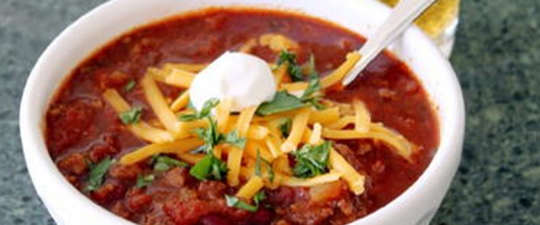 Crowd-Pleasing Chili: Cheap, Easy, and Delicious!