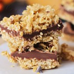 Homemade No-Bake Chocolate Caramel Oat Bars