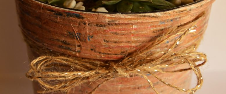 Recycled Craft: Faux Wooden Flower Pot